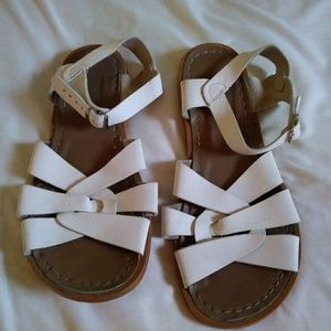Saltwater white sandals 9 w women Leather